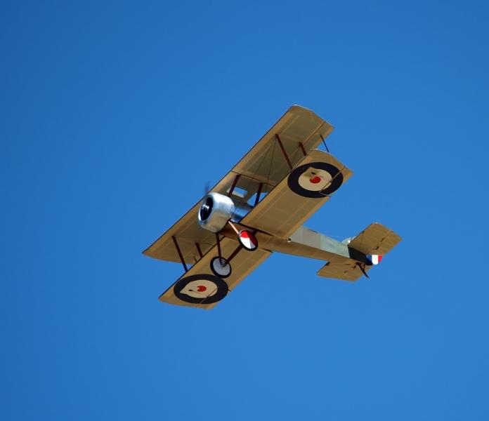 modellflygplan replika